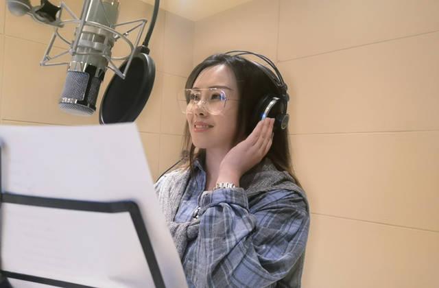 """贵州本土歌手周融儿为录制专辑""""与世隔绝"""" 台湾音乐人鼎力相助 娱乐 第2张"""