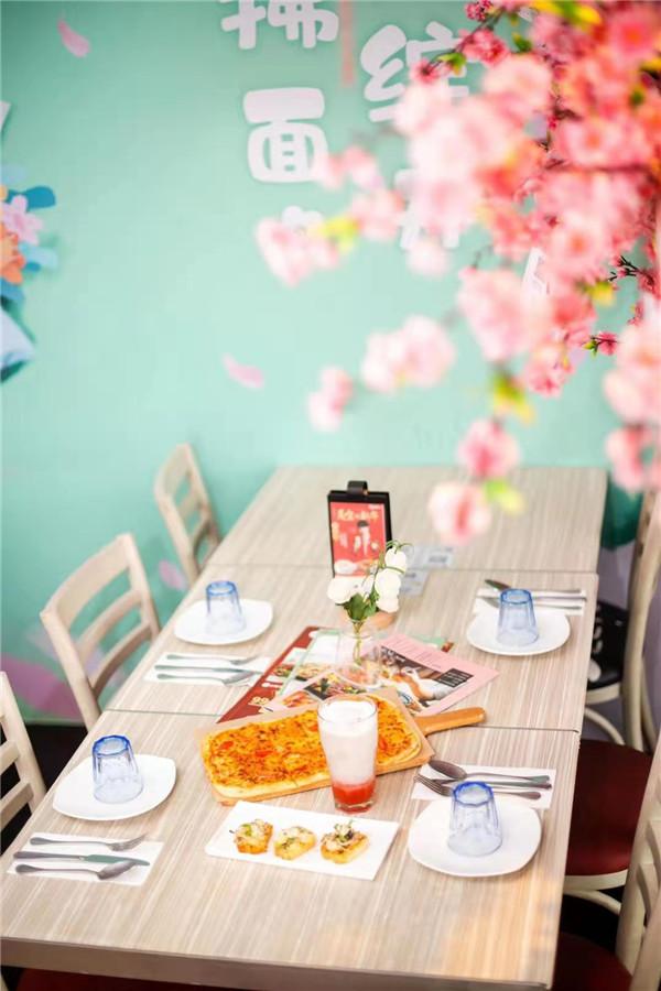 """2021""""恋恋桃花季""""必胜客贵州首家主题餐厅来了 旅游攻略 第9张"""