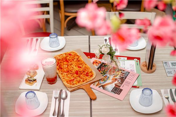"""2021""""恋恋桃花季""""必胜客贵州首家主题餐厅来了 旅游攻略 第7张"""
