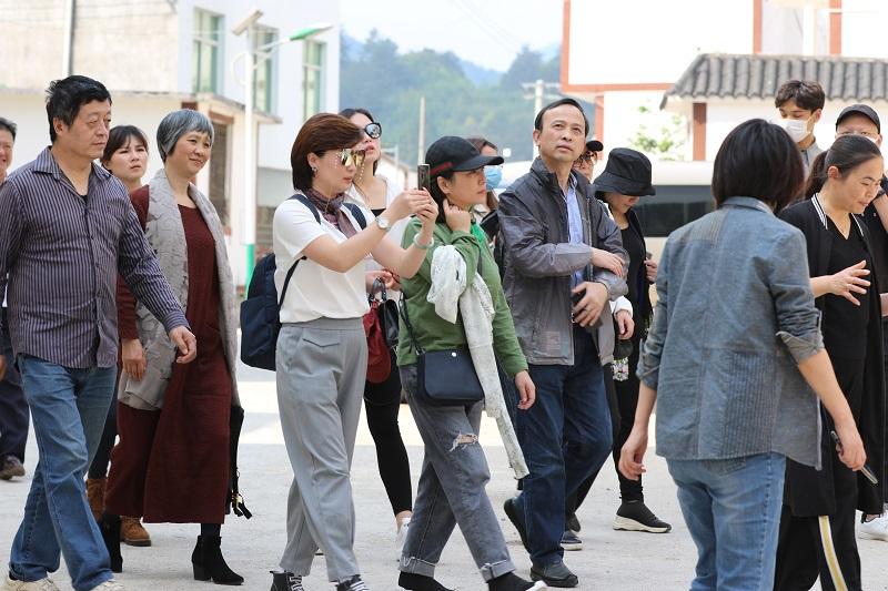 贵州省文化艺术考察团到荔波考察文化旅游扶贫工作 三农 第3张