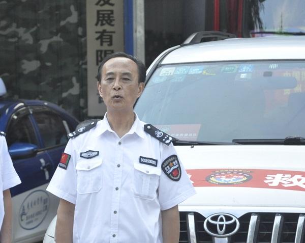 贵州省救援总队救灾物资连夜发车 驰援河南 公益 第2张